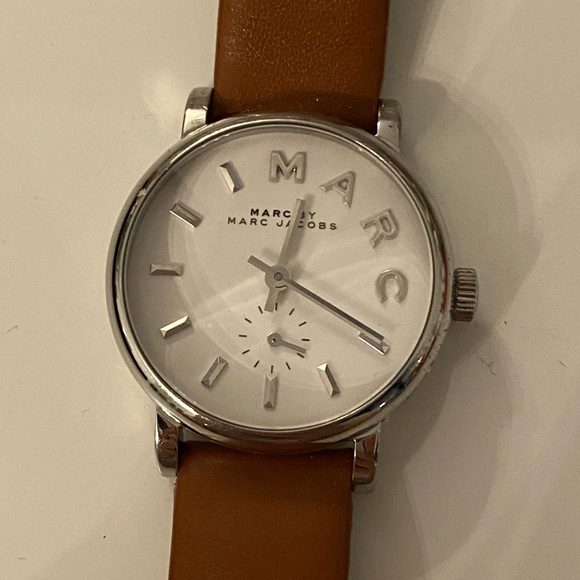 Marc by marc jacobs genuine leather strap watch